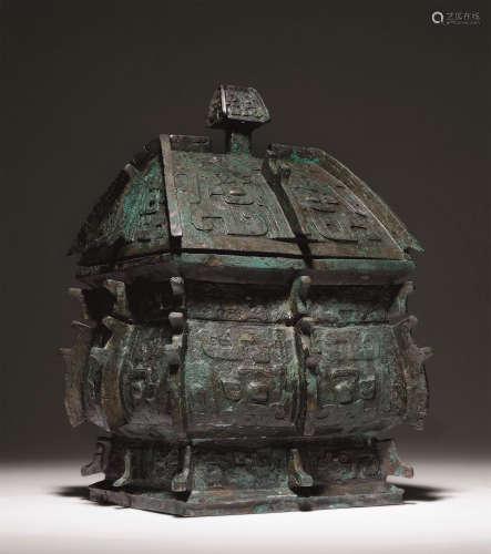 商 青铜饕餮纹出戟方彝