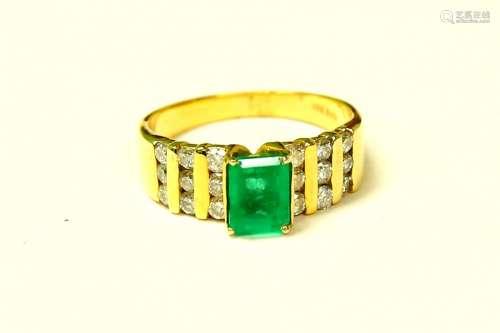 14K yellow gold. 2.70 CARAT DIAMOND EMERALD RING