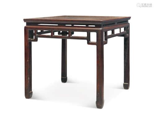 明末清初 红木活屉瘿木面方桌