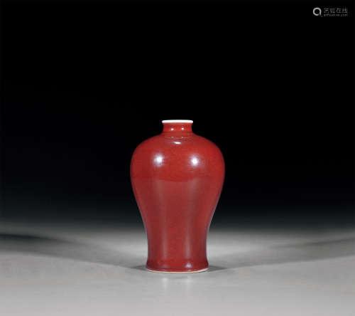 清雍正 红釉小梅瓶