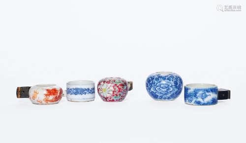 清中晚期 青花、矾红、粉彩鸟食罐 (五件)