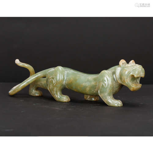 CHINESE ARCHAIC JADE TIGER