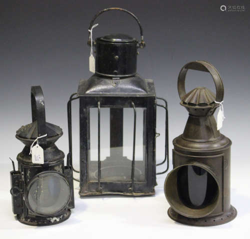 A collection of mainly early/mid-20th century railway lamps
