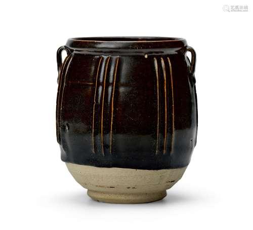 明 黑釉线条罐