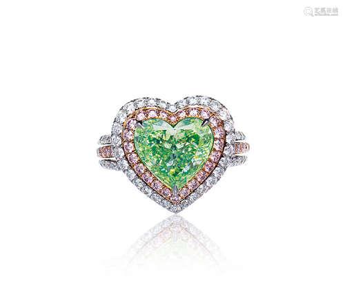 约3.0克拉彩绿黄色VS1净度钻石配钻石戒指