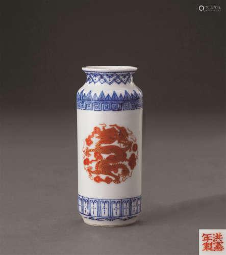 民国 兰科红彩龙纹筒瓶