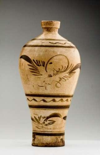 A Superb Yuan / Ming Ci Zhou Mei Ping Vase