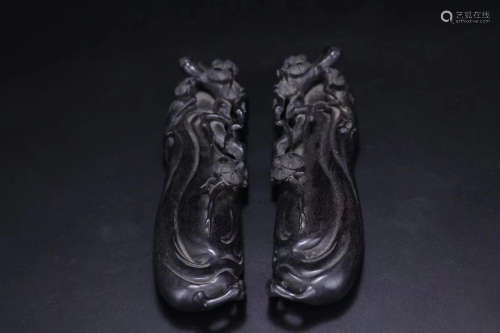 20TH CENTURY, A PAIR OF LOBULAR RED SANDALWOOD PAPERWEIGHT, THE REPUBLIC OF CHINA
