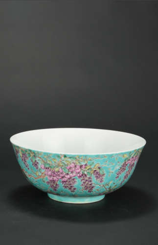 A Chinese Famile-Rose Porcelain Bowl