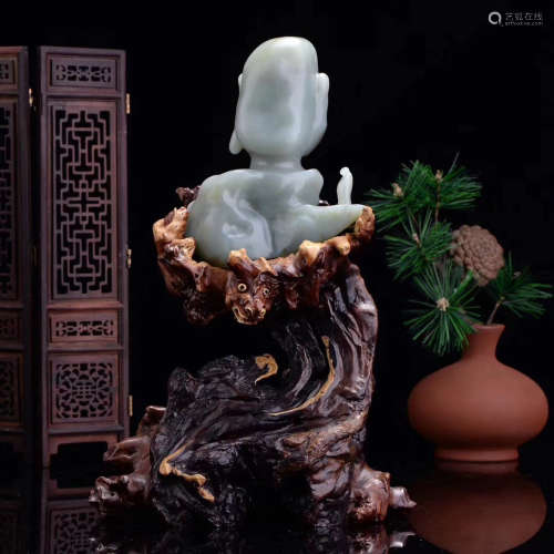 A XINJIANG HETIAN GREEN JADE CARVING ORNAMENT