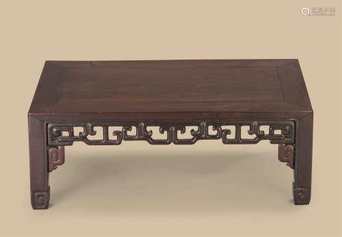 红木云纹长方桌