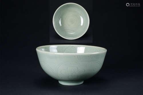元代  龍泉窯花卉紋碗