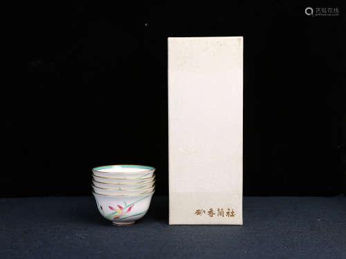 香兰社口沿描金花卉茶碗 汤吞