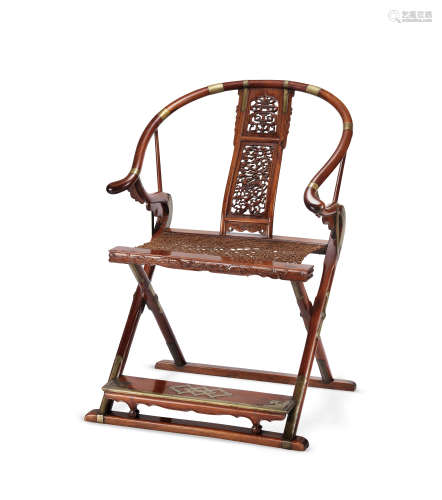 明末清初 黄花梨麒麟寿字纹圈背交椅