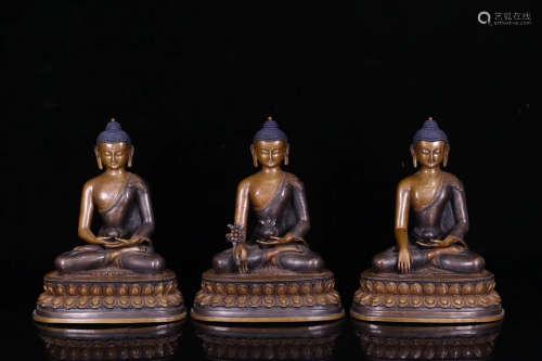 18TH CENTURY, A SET OF TIBETAN BUDDHA DESIGN BRONZE STATUES