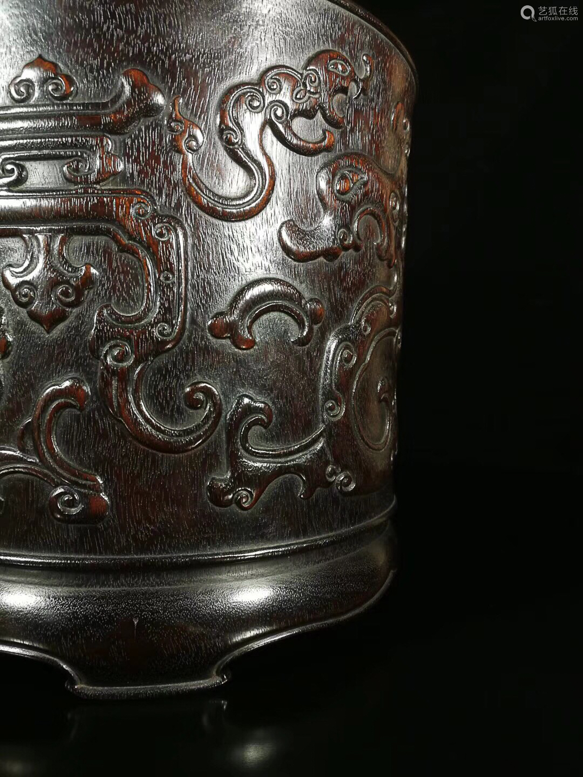 17-19TH CENTURY, A GRASS&GRADON PATTERN RED SANDALWOOD BRUSH HOLDER, QING DYNASTY