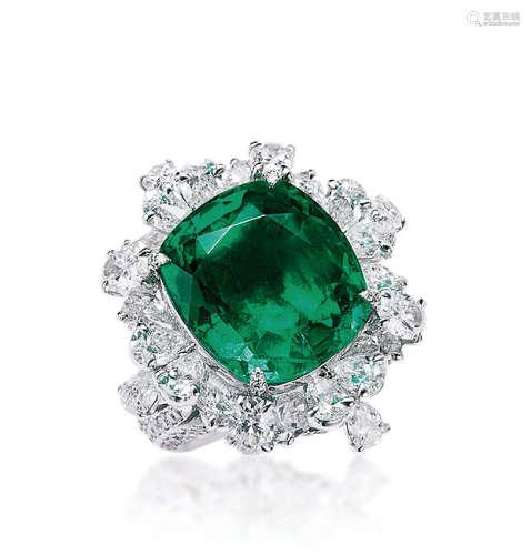8.27克拉哥伦比亚祖母绿配钻石戒指 未经注油