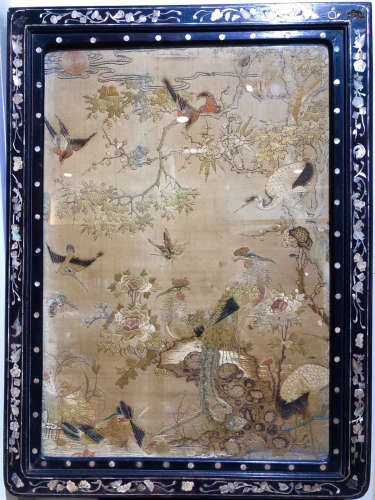 17-19TH CENTURY, A EMBROIDERY TABLE SCREEN, QING DYNASTY