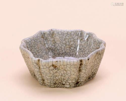 清早期 冰冻瓷碗
