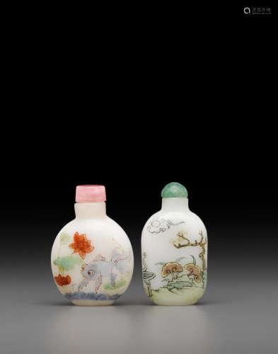 Guyue Xuan marks Two enameled white glass snuff bottle