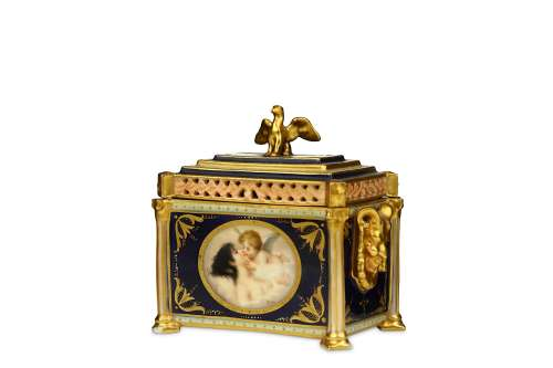 A VIENNA STYLE PORCELAIN CASKET AND COVER
