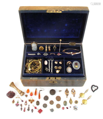 A jewellery casket with lift-out draw containing various items of jewellery, including an 18th