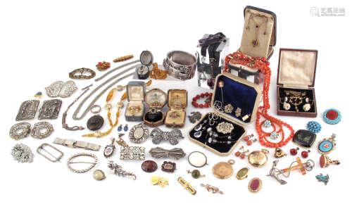 Various items of jewellery, including a diamond half-hoop ring, set with seven circular-cut diamonds