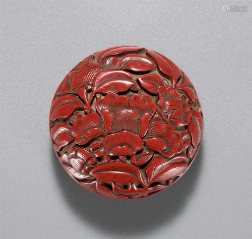 明 剔红花卉纹香盒