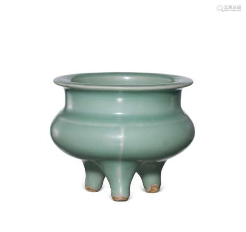 龙泉窑青釉鬲式炉