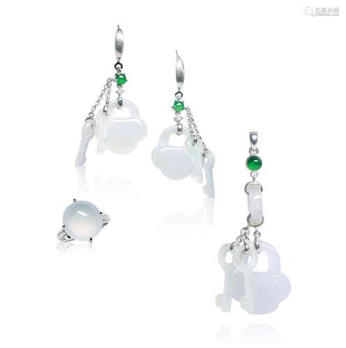 天然翡翠如意锁配钻石吊坠、耳环及蛋面戒指套装