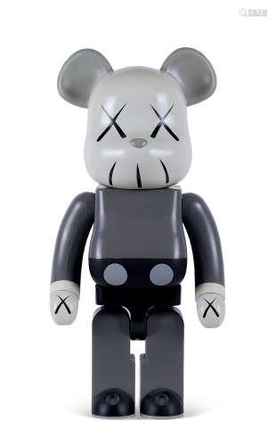 KAWS(b.1974) 2002年作 积木熊 同伴1000% 彩绘乙烯基塑料