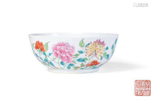 清道光 粉彩花卉纹墩式碗