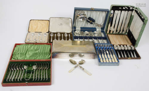 A set of six Purcell Brothers tea spoons, Birmingham 1932, together with a selection of silver