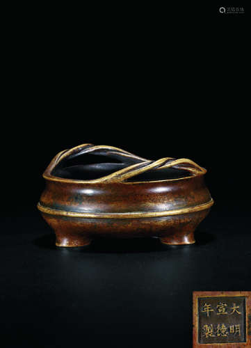 清 铜绳耳弦纹三足琴炉