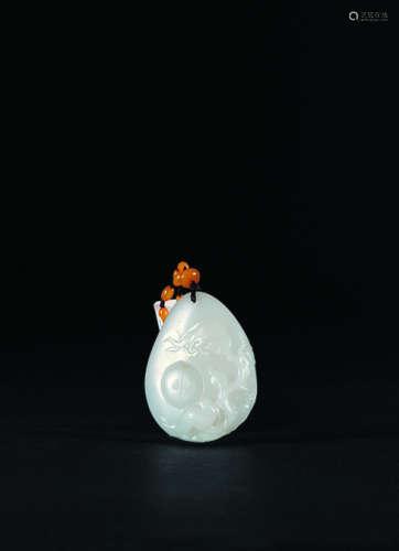 莫雪冰 和田玉籽料《花开富贵》