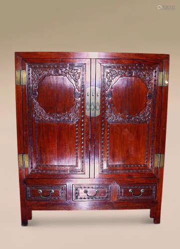 清 黄花梨雕螭龙纹方角柜