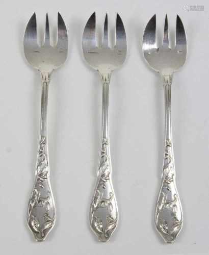 3 Jugendstil AusterngabelnMetall versilbert, gemarkt Fa. Adolphe Boulenger Paris, Frankreich, Satz