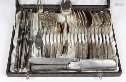 Posten BesteckteileMetall versilbert, versch. Hersteller, 90er Silberauflage, dabei 6 Speisegabeln