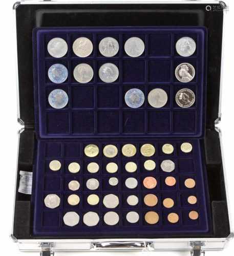 Sammlung Kursmünzen 1874/2000Großbritannien, Gibraltar u. Irland, verschiedene Materialien,