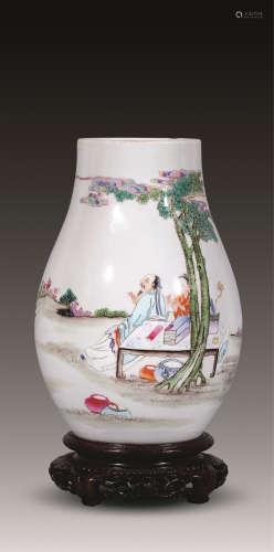 清 粉彩红蝠将至橄榄瓶