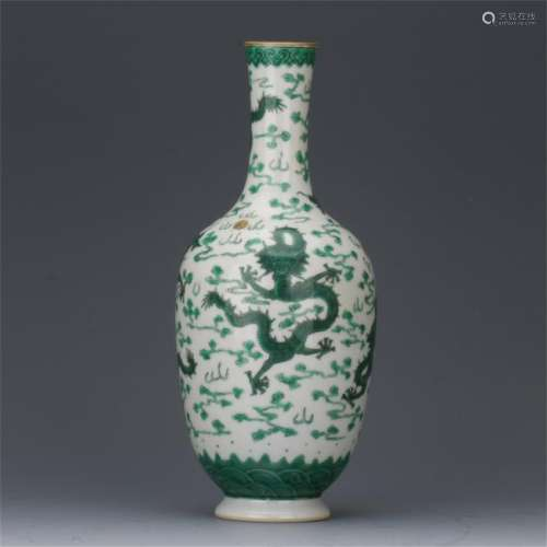CHINESE PORCELAIN GREEN DRAGON VASE
