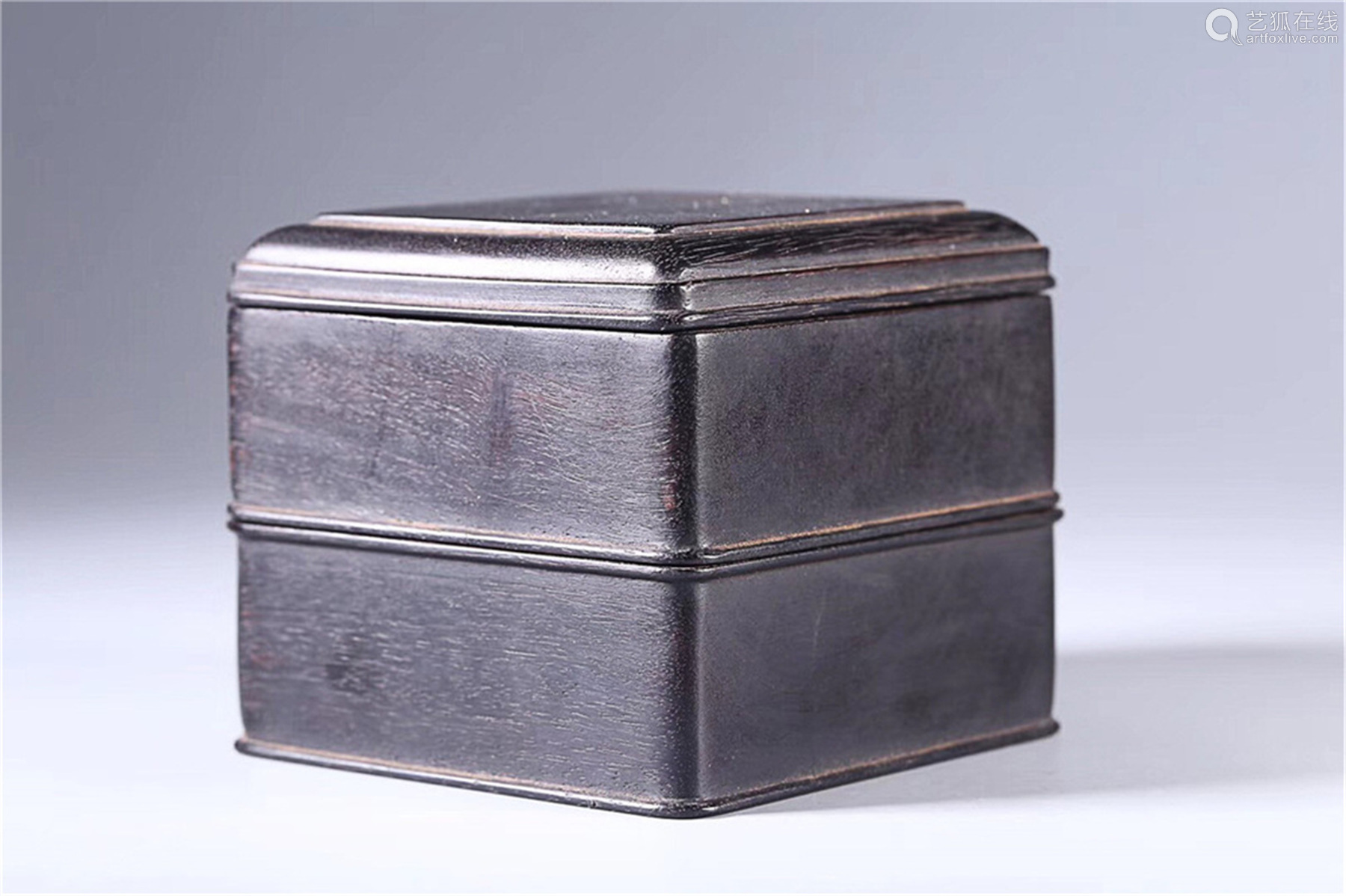 (1949-1966) A DOUBLE LAYER SEAL BOX