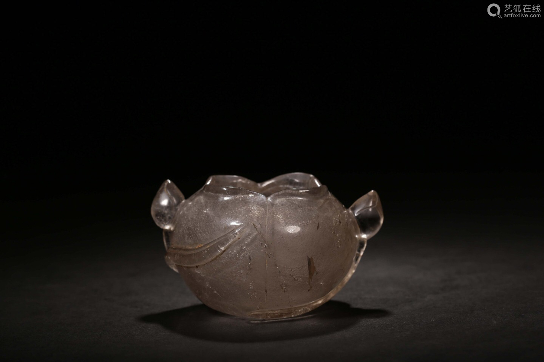 THE REPUBLIC OF CHINA, A NATURAL CRYSTAL CARVED LOTUS LEAF PATTERN WATERPOT