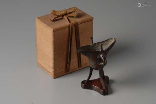 2-A8 青铜爵杯形香炉 红木台