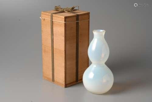 2-A24 乾隆料器葫芦形瓶