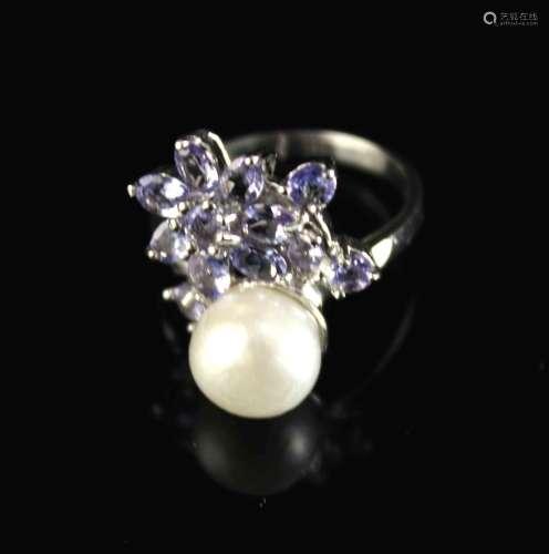 银镶淡水珍珠和坦桑石戒指                                                    Pearl