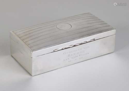 Rectangular silver box, 925/000, with hinged lid with a