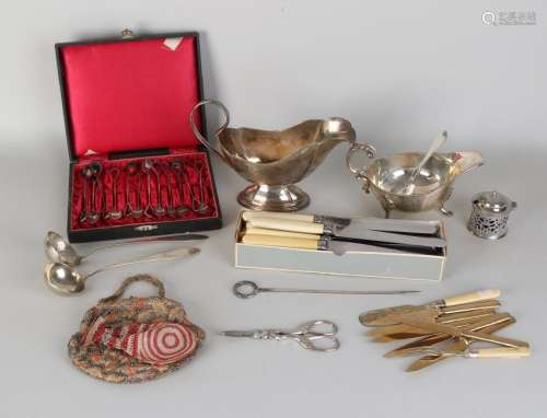 Lot miscellaneous plated. 20th century. Among other