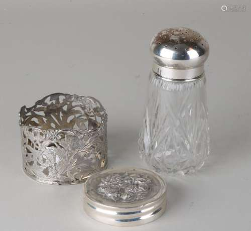 Crystal spreader with silver cap and a silver holder