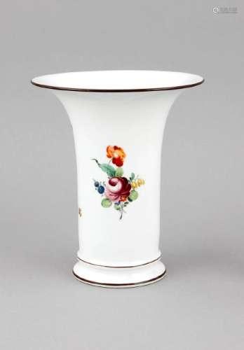 A vase, Nymphenburg, mark 1925-75, form no. 833,